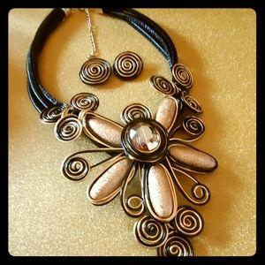 Black corded flower necklace set